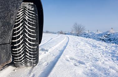 Voiture pneu hiver